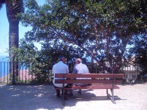 2 Rentner unterhalten sich - Smalltalk