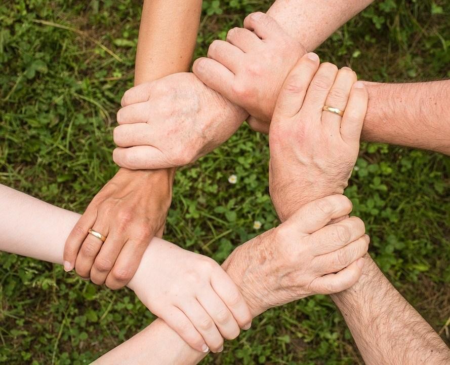 Hände zusammen Glaubwürdigkeit