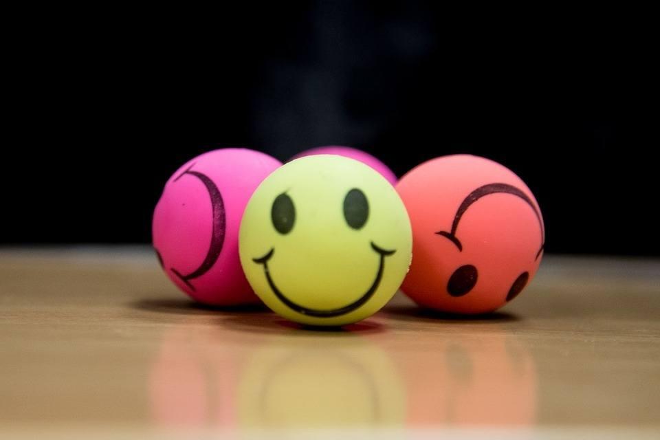 Smileys lachen Gelassenheit
