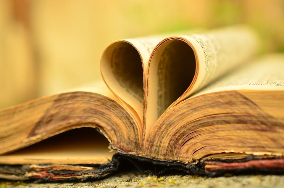 Buch in Herzform Leidenschaft