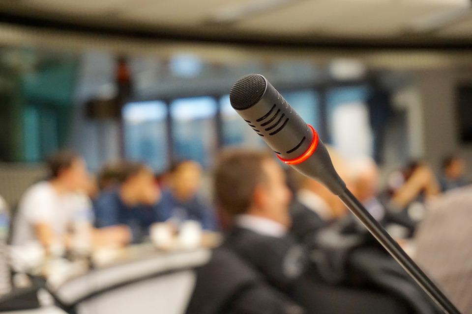 Mikrophon frei Sprechen