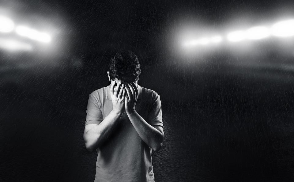 Traurig selbstbewusst auftreten